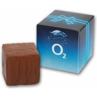 Torte als Prinzregentörtchen in Würfelform in bedrucktem Karton individuell als Werbegeschenk