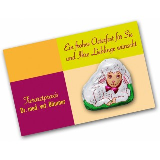 Kleines Lamm als Schäfchen aus Schokolade zu Ostern Werbeartikel Grußkarte bedrucken.
