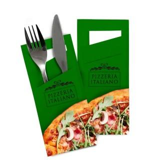 Bestecktaschen mit diagonalem Schlitz und Serviette bedrucken. Besteck nicht enthalten.