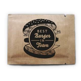 Erfrischungstücher mit eigenem Logo bedrucken auf braunem Kraftpapier
