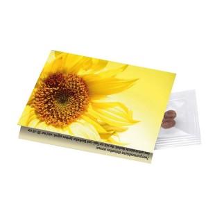 Die Flower Card birgt im Inneren Samen, die eingepflanzt werden können.